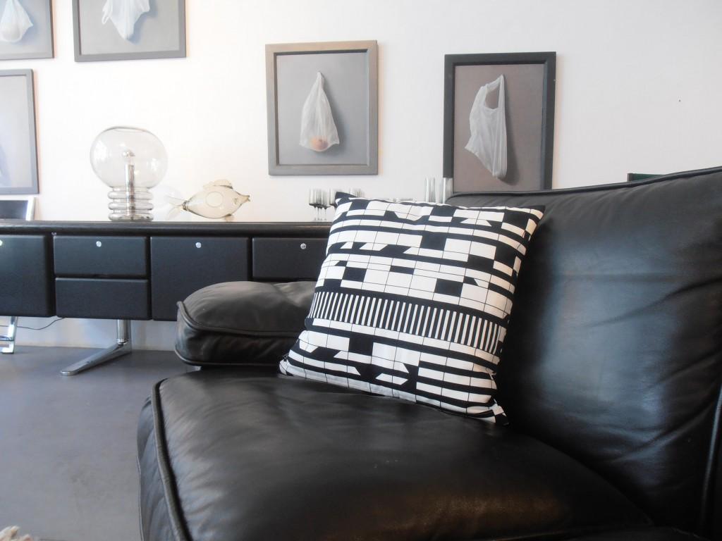 Kissen Corbuisierhaus schwarz-weiß
