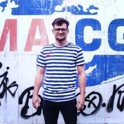 Berlin-Ringelshirt-Mann-Picassoshirt2
