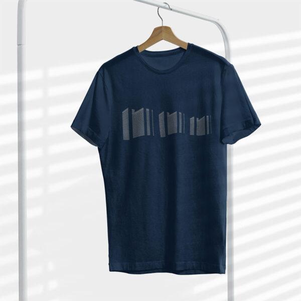 Leipziger Strasse Shirt auf Kleiderbügel