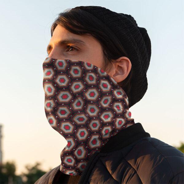 Mann mit Berlin Maske